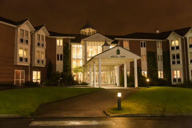 Arden-Hotel-Solihull-Solihull-Wedding-Photographer-wedding-photography-1