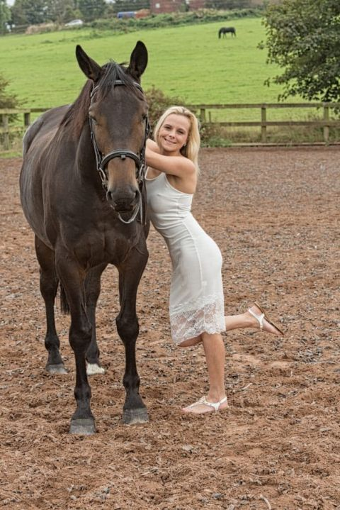 Kerri poses with her horse Frank - Equine Portrait in Yorkshire by What a Picture photography